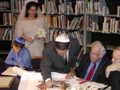 signing-ketubah-slutsky